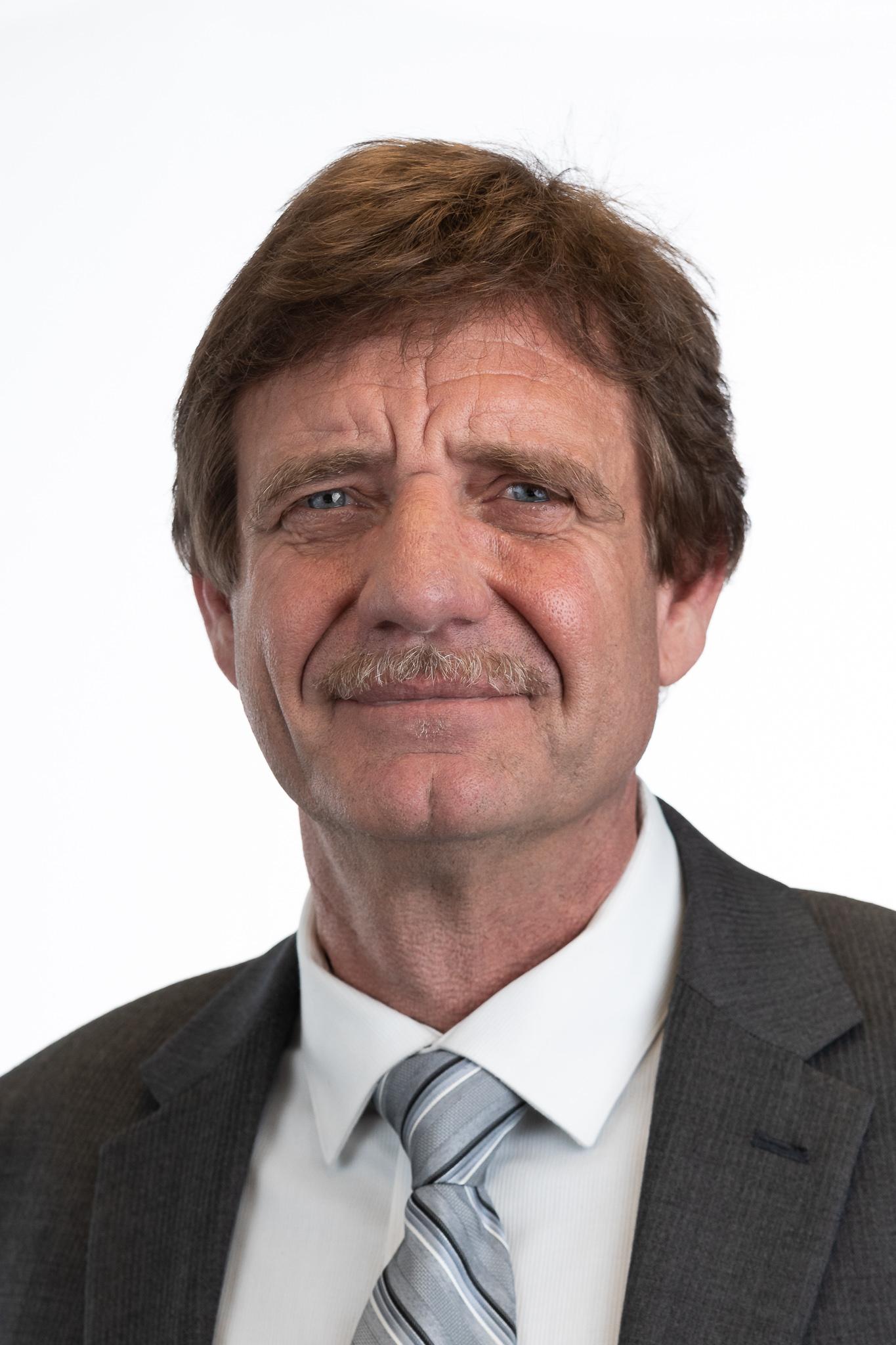 Headshot of Bill Rhodes